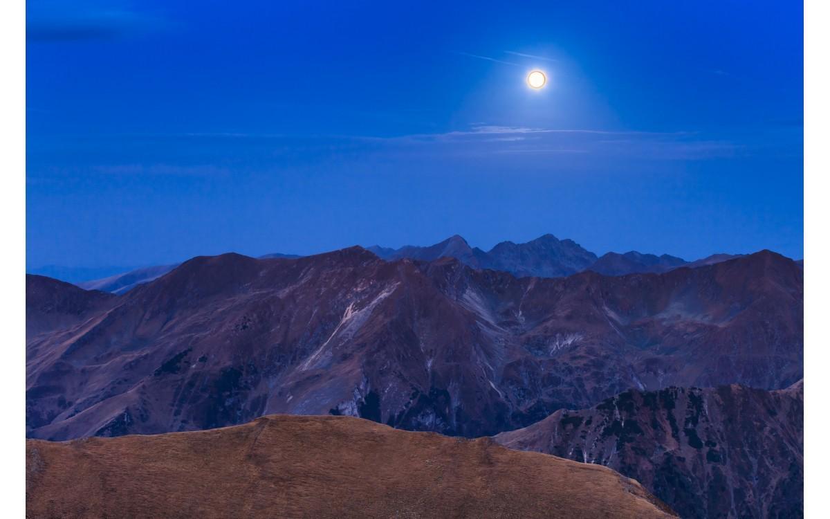 Ali meniš, da lunine mene lahko vplivajo na tvoje ljubezensko življenje? Seveda!