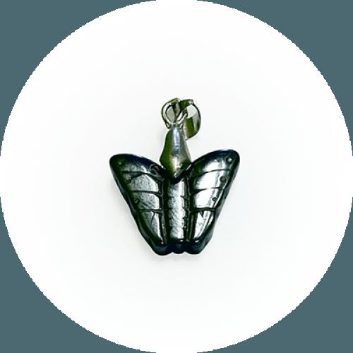 Obesek metuljček - Hematit