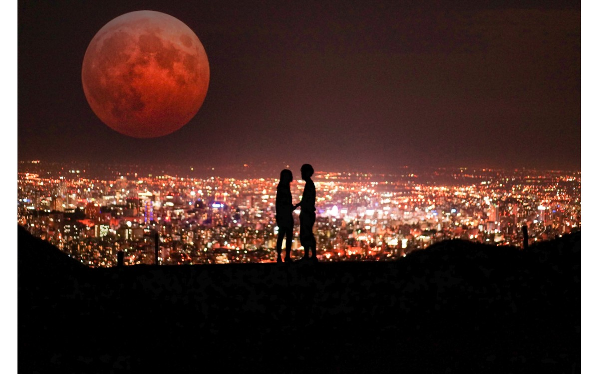Kaj nam prinaša oktobrska polna luna?